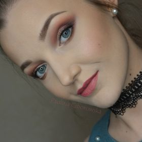 Paoli makeup