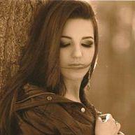Nadine Gatelli Boays