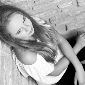 Leonie 🌹