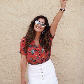 Krista Perez  | Outfit Ideas +  Lifestyle Inspiration