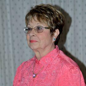 Dr Dorette Van Ede