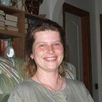 Elvira Tóth