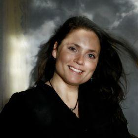 Author Jennifer Loiske
