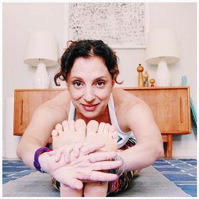 Andrea Ferretti | Yoga Writer + Blogger