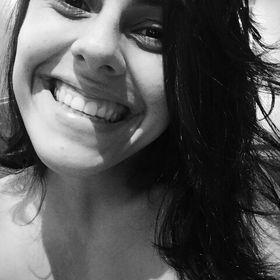 Adriana M. Mandetta