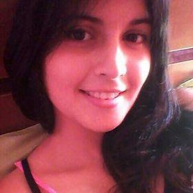 Paulina Veloz