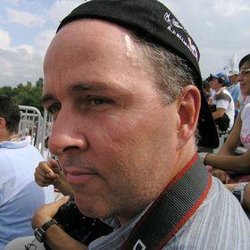 Tony Tremblay - Photographer & Blogger @ Usefulnext.com & Photo-technique.com