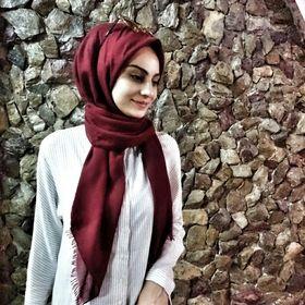 Ela Cakmakcı