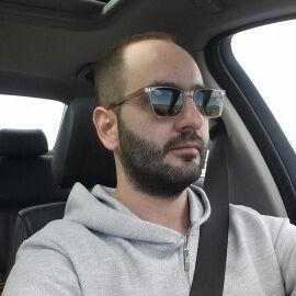 Xristos Ntourlios