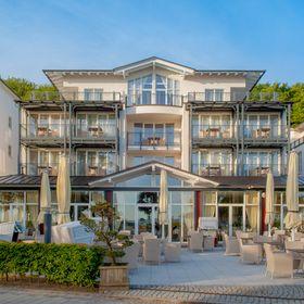 Grand Hotel Binz (grandhotelbinz) auf Pinterest