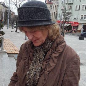 Erzsi Kósa Sándorné