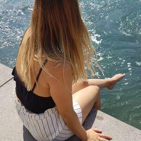 Angie 🍉🍉
