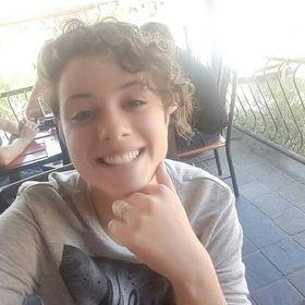 Caitlin De Villiers