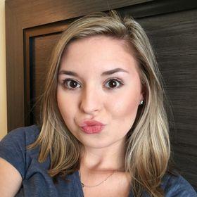 Lindsay Bustamante YL Distributor