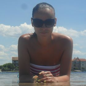 Lucia Kušnírova