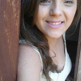 Bárbara Oliveira
