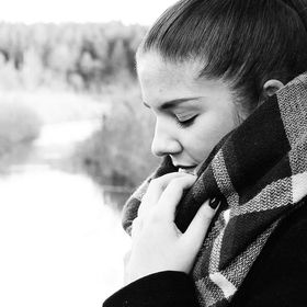 Corinna Hartl
