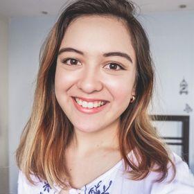 Mica | Productivity Strategist for Creative Entrepreneurs