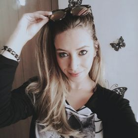 Angela Samoilovitchs