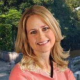 Lindis Courtney, Couples Coach   Family Therapist   Relationship Coach