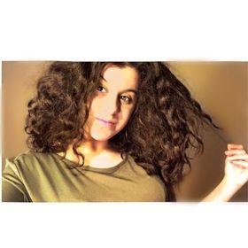 Yasmine Moal