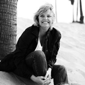 Lisa J Carter
