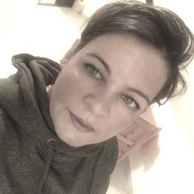 Melinda Sz