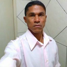 Evan Santos