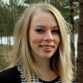 Dina Sangesland