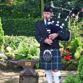 Bagpiper in South Wales & Adjacent Counties - John Campbell