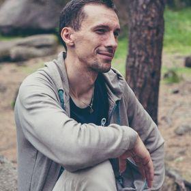 Макс Акулич