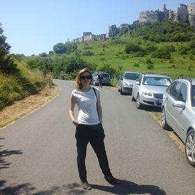 Leah Dero
