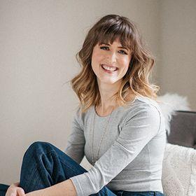 Ashley Srokosz | Wellness website & branding expert