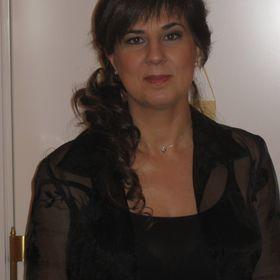 Ángeles Martínez