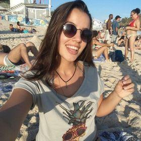 Carolina Malveira