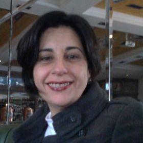 Advogada Ana Lucia Nicolau