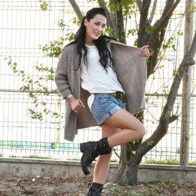 Alexandra Pardos