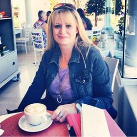 Carol Gouws
