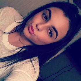 Ariana Robertello