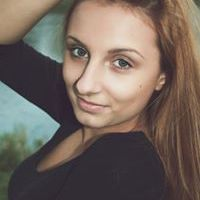 Ester Turasová