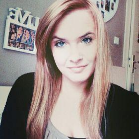 Annika Larissa