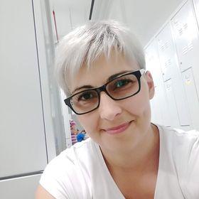 Anna Korom