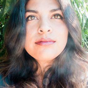 Stephanie J Mendoza