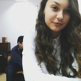 Andrea Biro