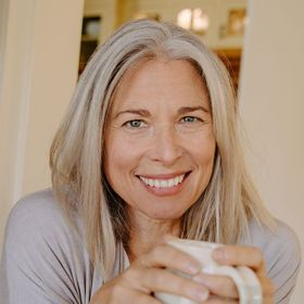Lynne Curry