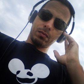 DJ MAZZIN