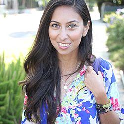Adri Lately / Fashion Blogger