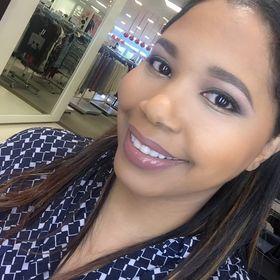 Adrienne Elle | Gadgets, Tech Tutorials, & Video Editing for YouTube Content Creators