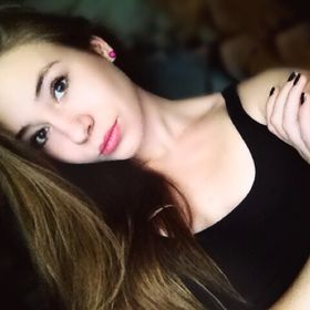 Laura Czirok