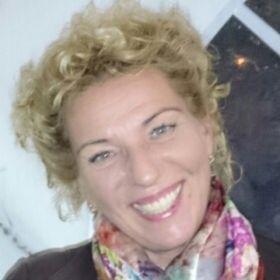 Mónika Erdélyi Lajosné